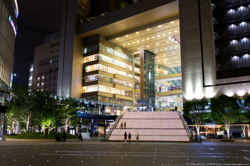 グランフロント大阪 うめきた広場 夜景 07 (大階段)