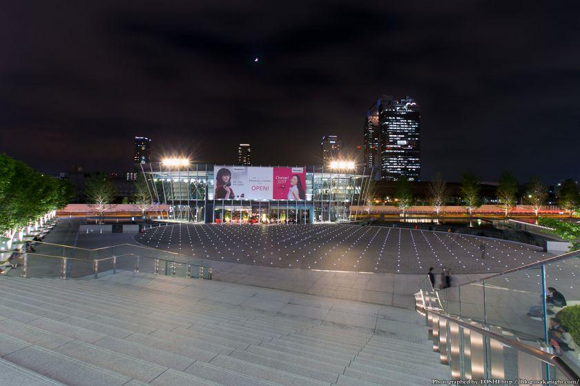 グランフロント大阪 うめきたSHIP 夜景 01