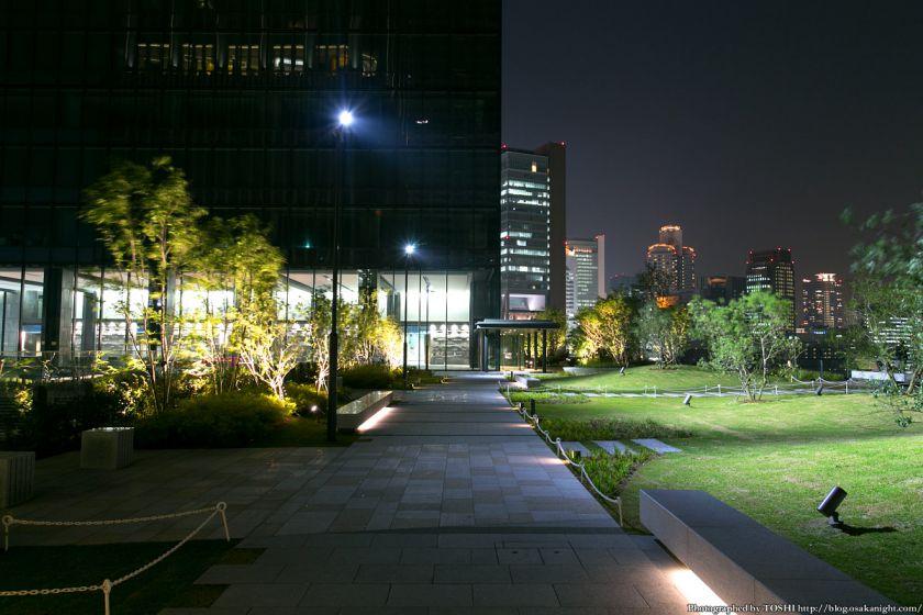 グランフロント大阪 北館テラスガーデン 夜景 02