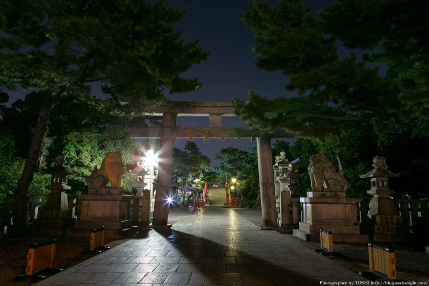 住吉大社 西大鳥居(一の鳥居) 夜景