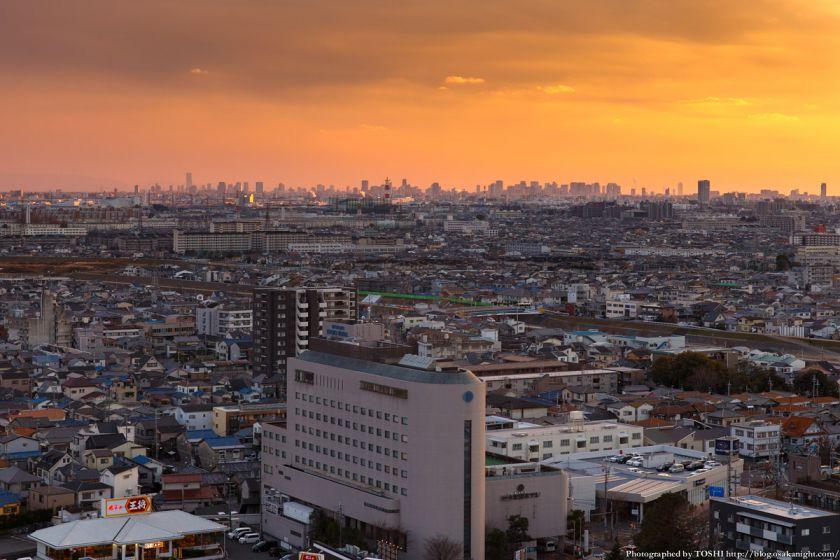 高槻市役所から大阪都心部を臨む 夕景 2014年1月