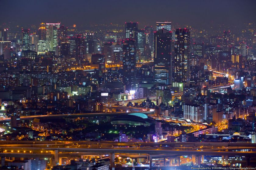 大阪の超高層ビル群 夜景 from 咲洲庁舎展望台 2014年10月