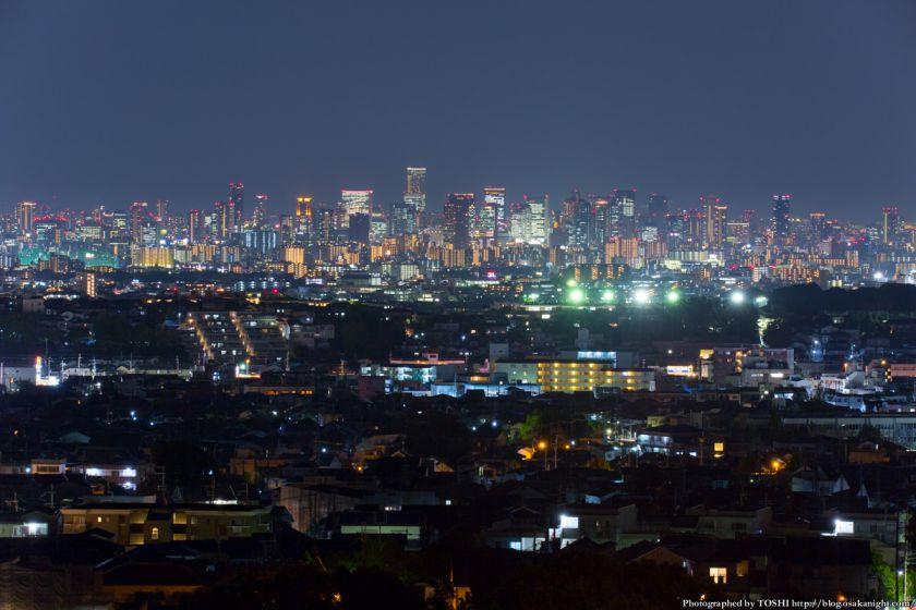 大阪の超高層ビル群 夜景 from 箕面 2014年10月 01