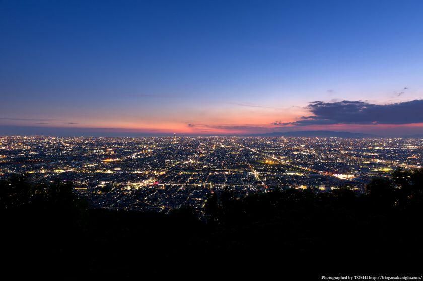 生駒山 なるかわ園地 みはらし休憩所からの夕景