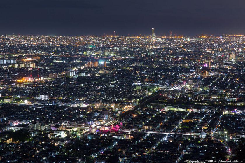 生駒山 なるかわ園地 みはらし休憩所からの夜景 03