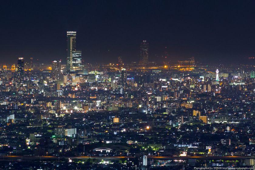 生駒山 なるかわ園地 みはらし休憩所からの夜景 06 あべのハルカス