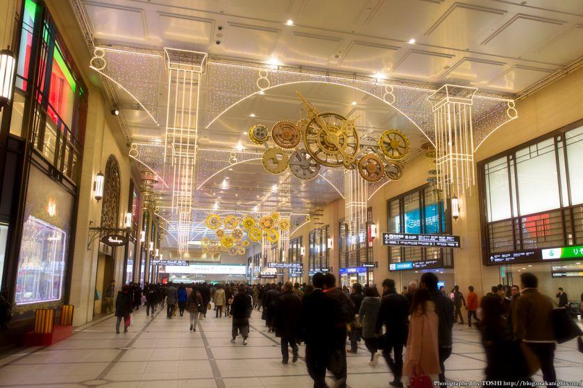 阪急梅田駅コンコース イルミネーション 0号線のPLATFORM 02