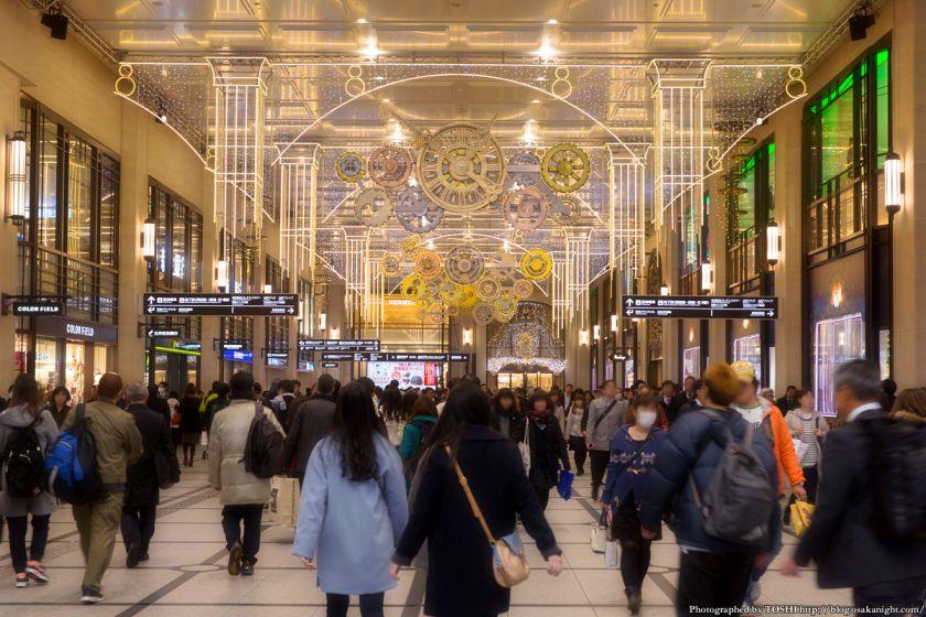 阪急梅田駅コンコース イルミネーション 0号線のPLATFORM 03