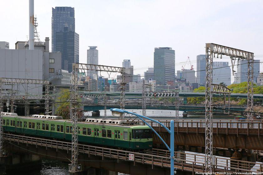 大坂橋から見た中之島方面(京阪電車)01