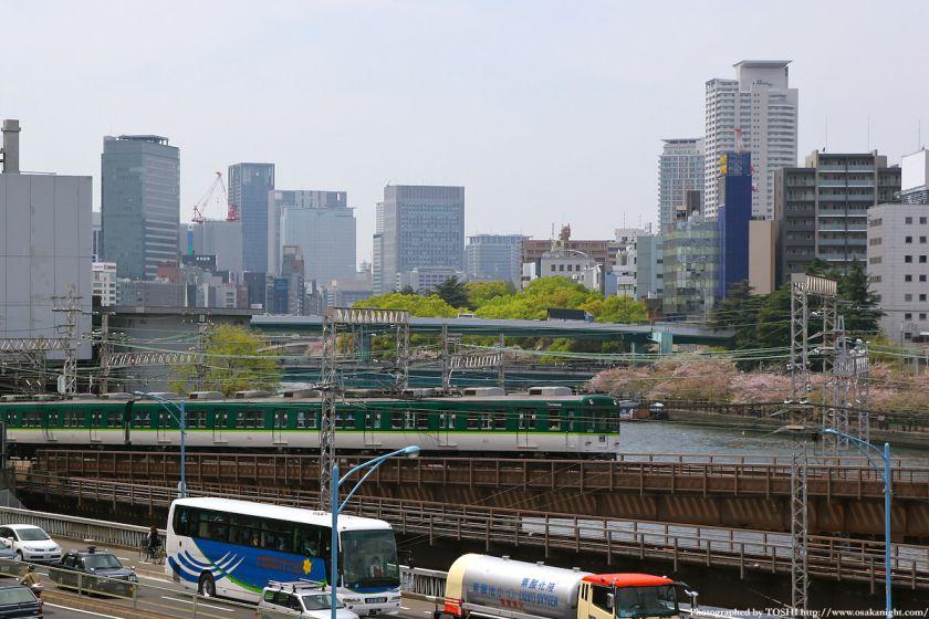 大坂橋から見た中之島方面(京阪電車)02