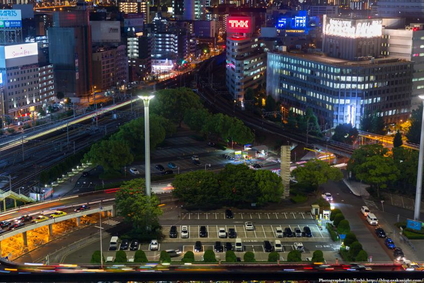 レム新大阪 南側 夜景 (新大阪駅ロータリー) 2016年6月