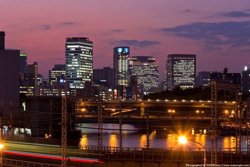 大坂橋から見た中之島方面の夕景