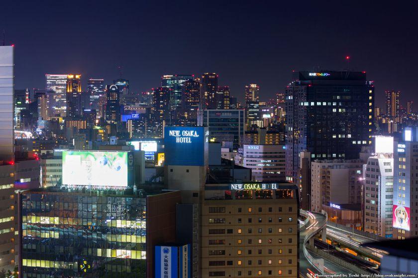 梅田の超高層ビル群 夜景 from レム新大阪 2016年6月 01