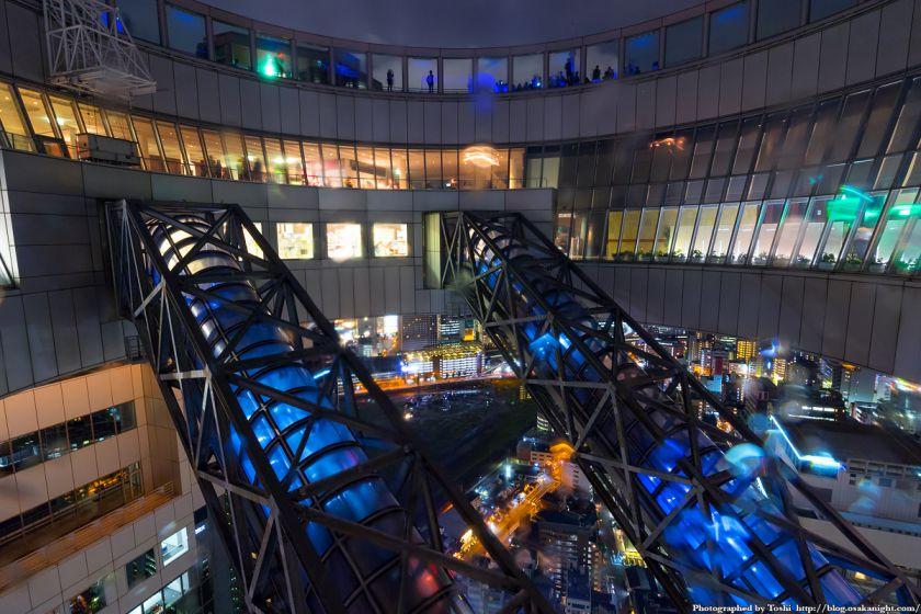 梅田スカイビル 39F 空中庭園の中心部 夜景 01 2016年10月