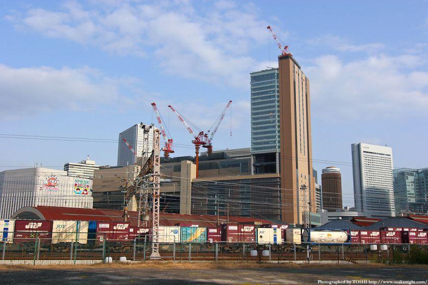 梅田貨物駅から見たノースゲートビルディング