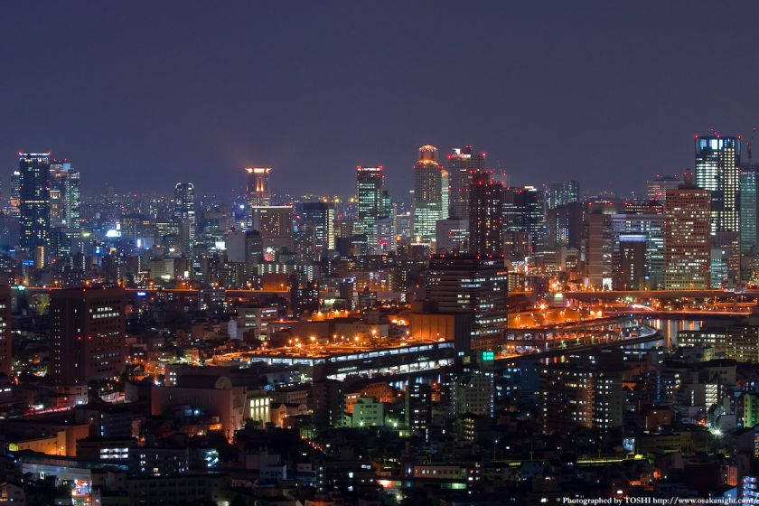 ホテル大阪ベイタワーからの夜景 梅田の高層ビル群1