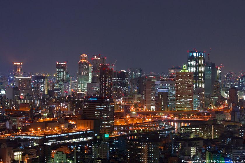 ホテル大阪ベイタワーからの夜景 梅田の高層ビル群2