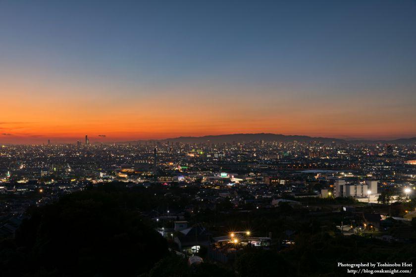 八尾市楽音寺から見る大阪方面の夕景 2017年11月