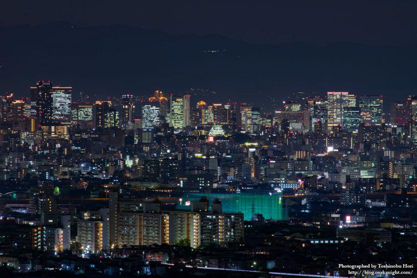 八尾市楽音寺から見る大阪の高層ビル群 夜景  01 2017年11月
