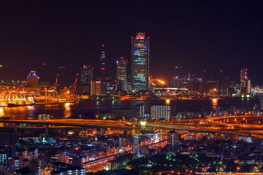 ホテル大阪ベイタワーからの夜景 南港コスモスクエア