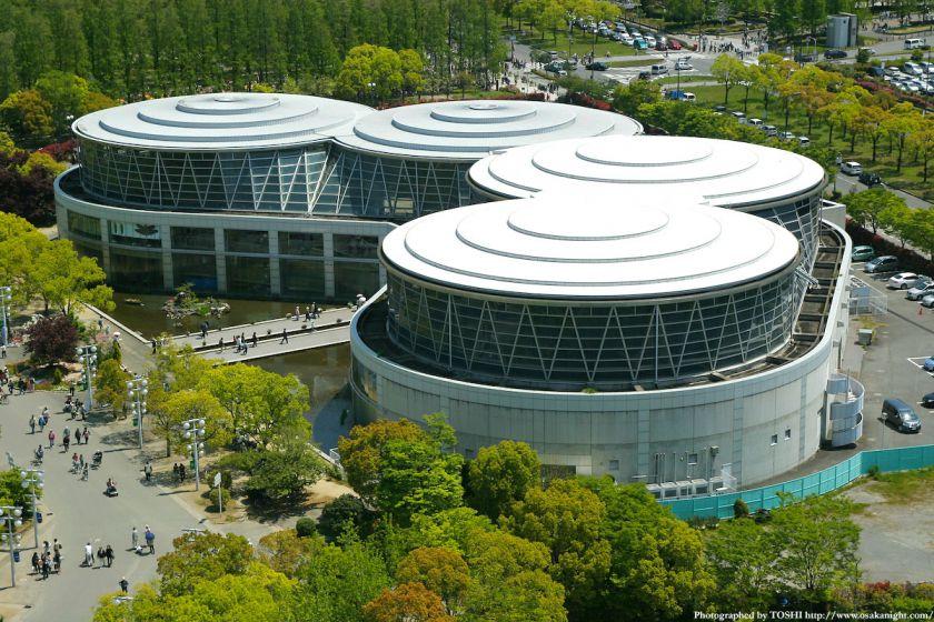 鶴見緑地 水の館ホール