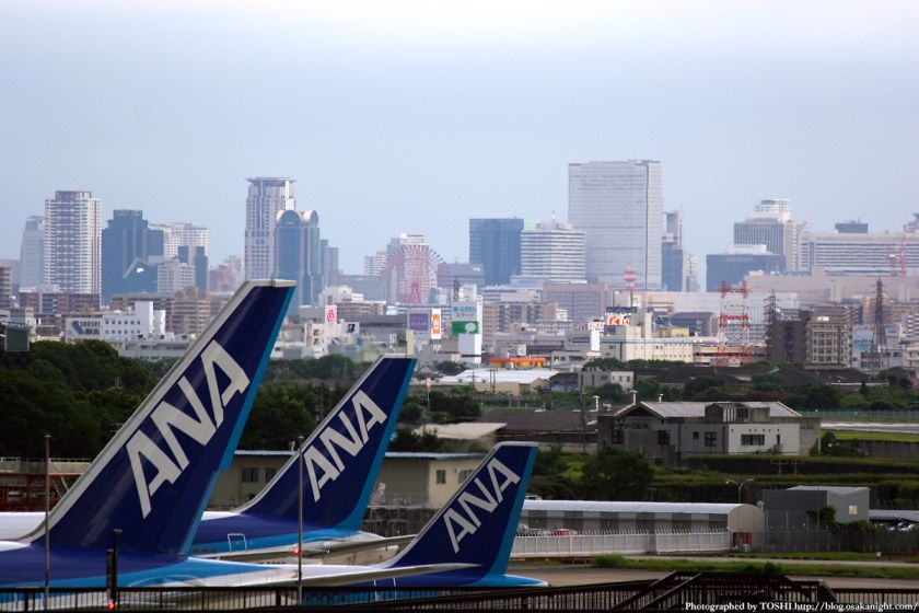 大阪(伊丹)空港から見た梅田の高層ビル群 3