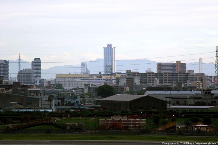 大阪(伊丹)空港から見たWTCコスモタワー