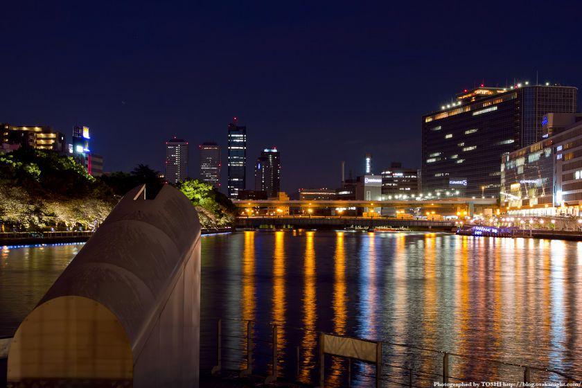 剣先公園から天満橋方面の夜景