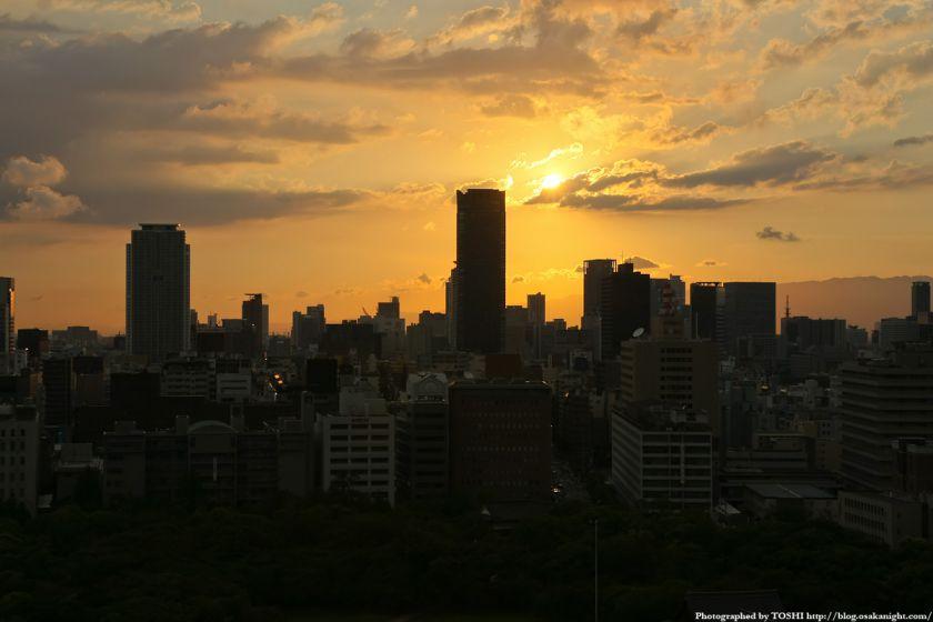 大阪城天守閣から北浜方面の夕景