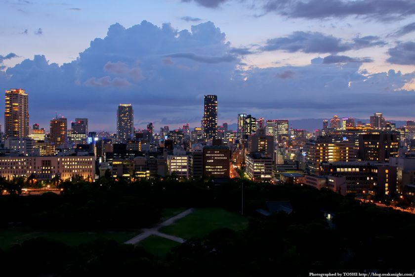 大阪城天守閣から都心方面の夜景