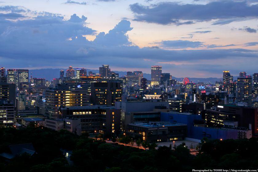 大阪城天守閣から梅田方面の夜景