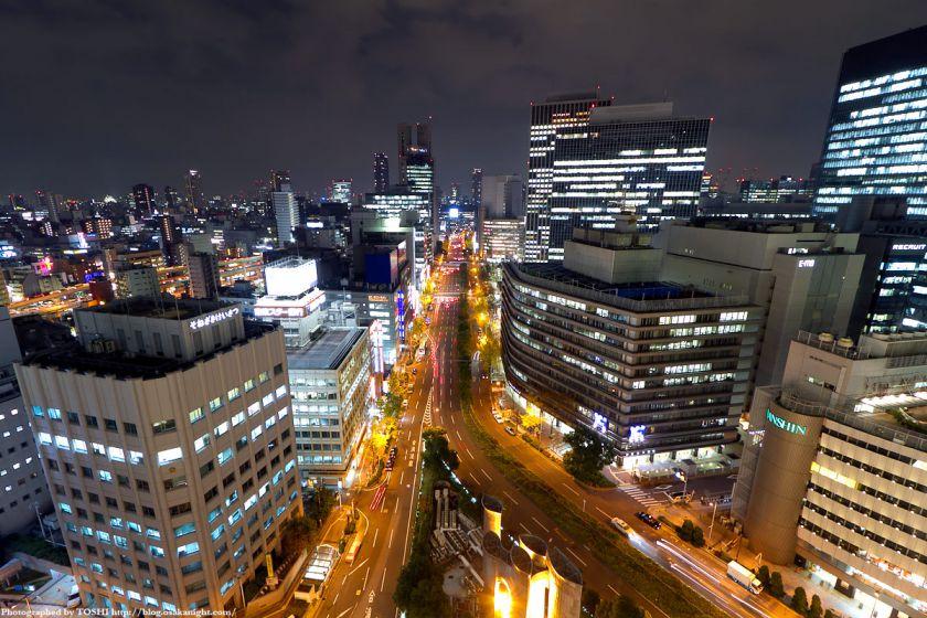 梅田阪急ビル スカイロビーから御堂筋方面の夜景