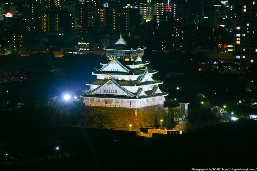 大阪城天守閣の夜景 from OAPタワー