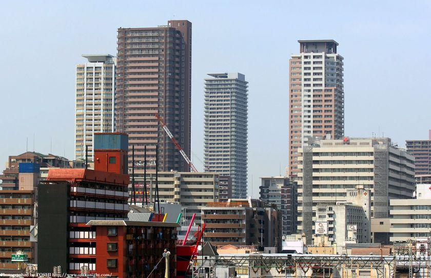 鶴橋から見た上本町の高層マンション群