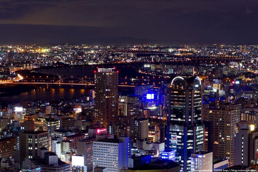 淀川の夜景 from 梅田スカイビル