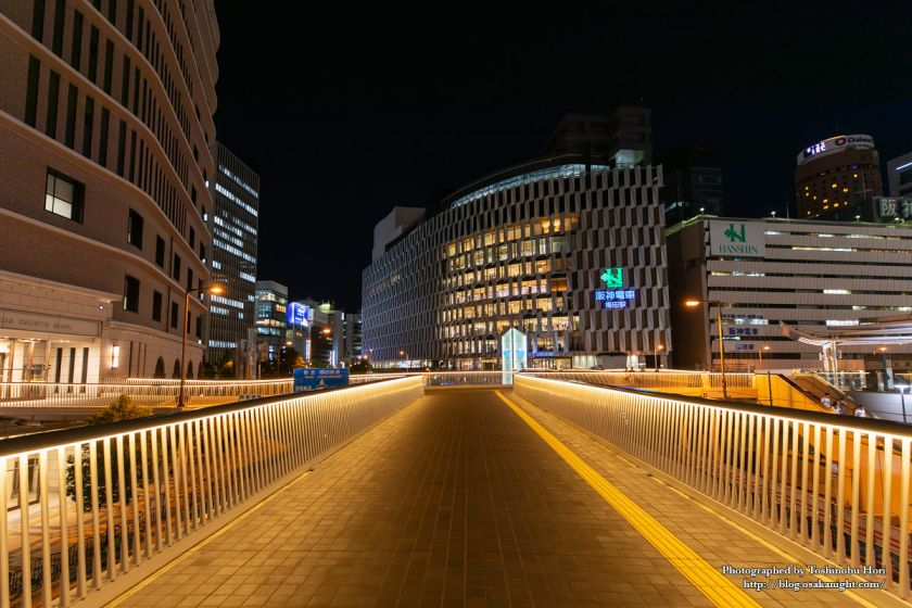 阪急阪神連絡デッキ 梅田新歩道橋 2018年6月 02
