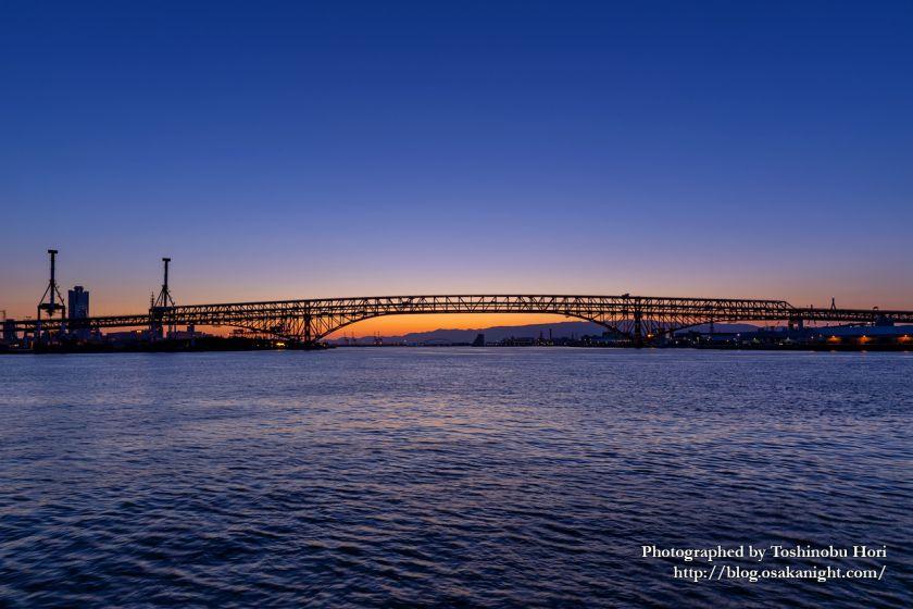 鶴浜緑地より港大橋のトワイライト夜景 2020年5月 01