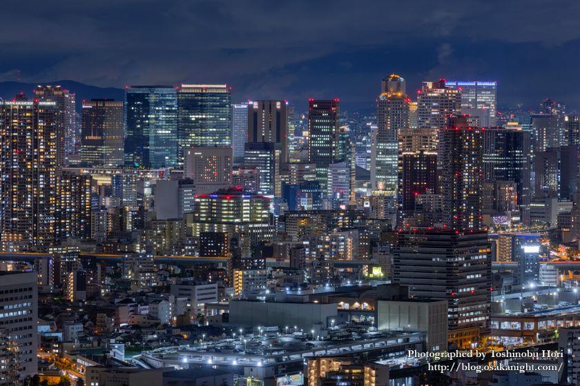 アートホテル大阪ベイタワーからの夜景 梅田の高層ビル群 2020年9月
