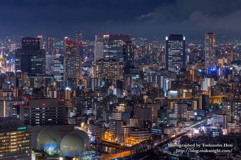 アートホテル大阪ベイタワーからの夜景 難波の高層ビル群 2020年9月