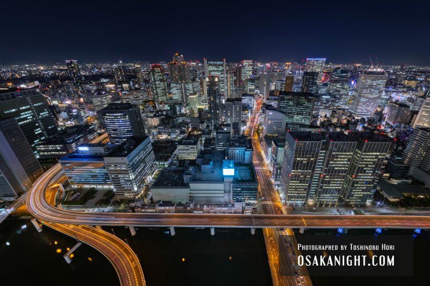 コンラッド大阪からの夜景 (中之島フェスティバルタワー・ウエスト)