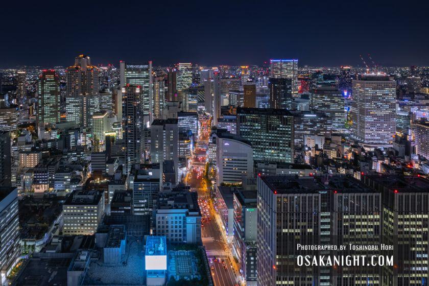 コンラッド大阪からの夜景 梅田の高層ビル群 01