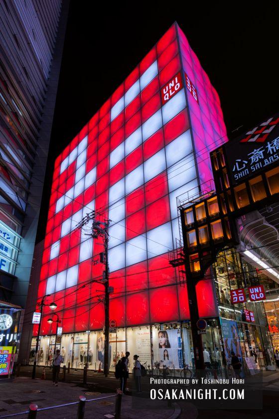 ユニクロ心斎橋店 ライトアップ 2021年7月 07