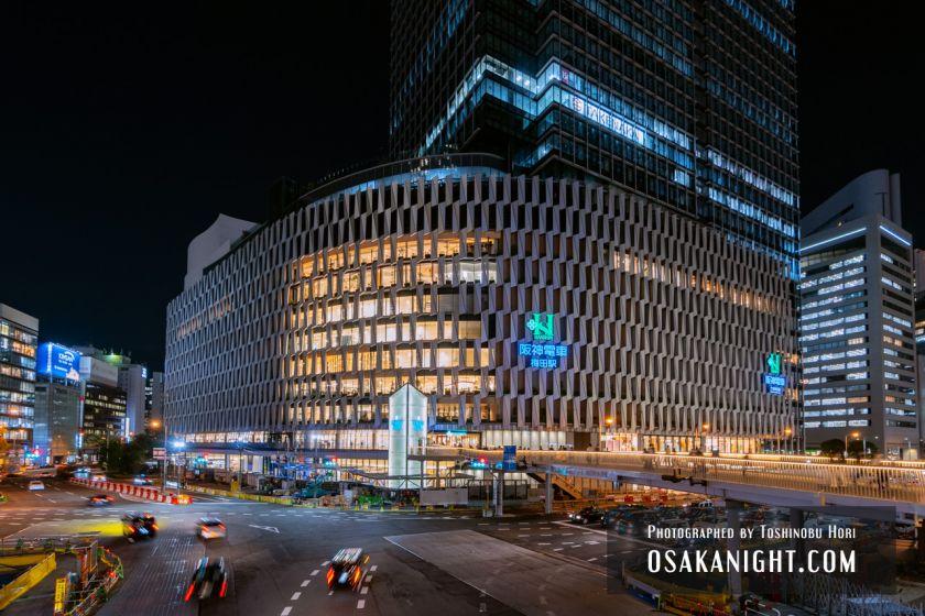 阪神梅田本店2期 建て替え先行オープン 外観夜景 2021年10月 02